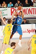 DESCRIZIONE : Bormio Torneo Internazionale Gianatti Italia Australia <br /> GIOCATORE : Marco Belinelli<br /> SQUADRA : Nazionale Italia Uomini <br /> EVENTO : Bormio Torneo Internazionale Gianatti <br /> GARA : Italia Australia <br /> DATA : 03/08/2007 <br /> CATEGORIA : Tiro<br /> SPORT : Pallacanestro <br /> AUTORE : Agenzia Ciamillo-Castoria/G.Cottini<br /> Galleria : Fip Nazionali 2007 <br /> Fotonotizia : Bormio Torneo Internazionale Gianatti Italia Australia<br /> Predefinita :