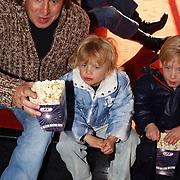 Premiere de Kleine IJsbeer, Marco Borsato en zoon Luca