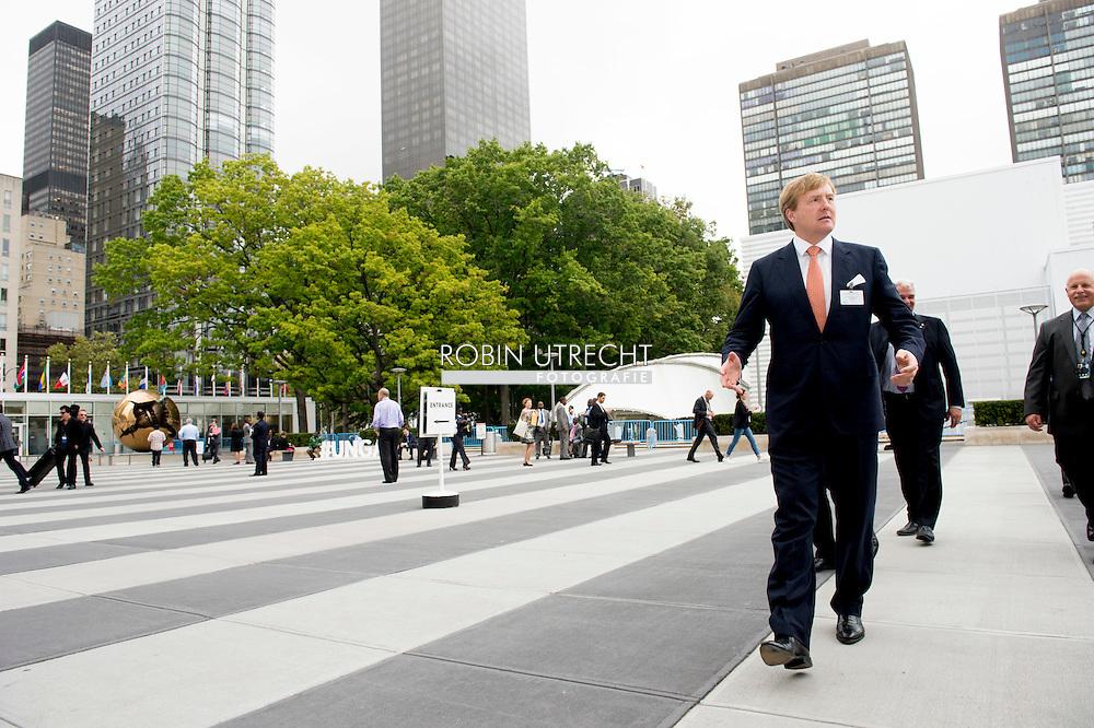 NEW YORK King willem alexander walks in new york . COPYRIGHT ROBIN UTRECHT