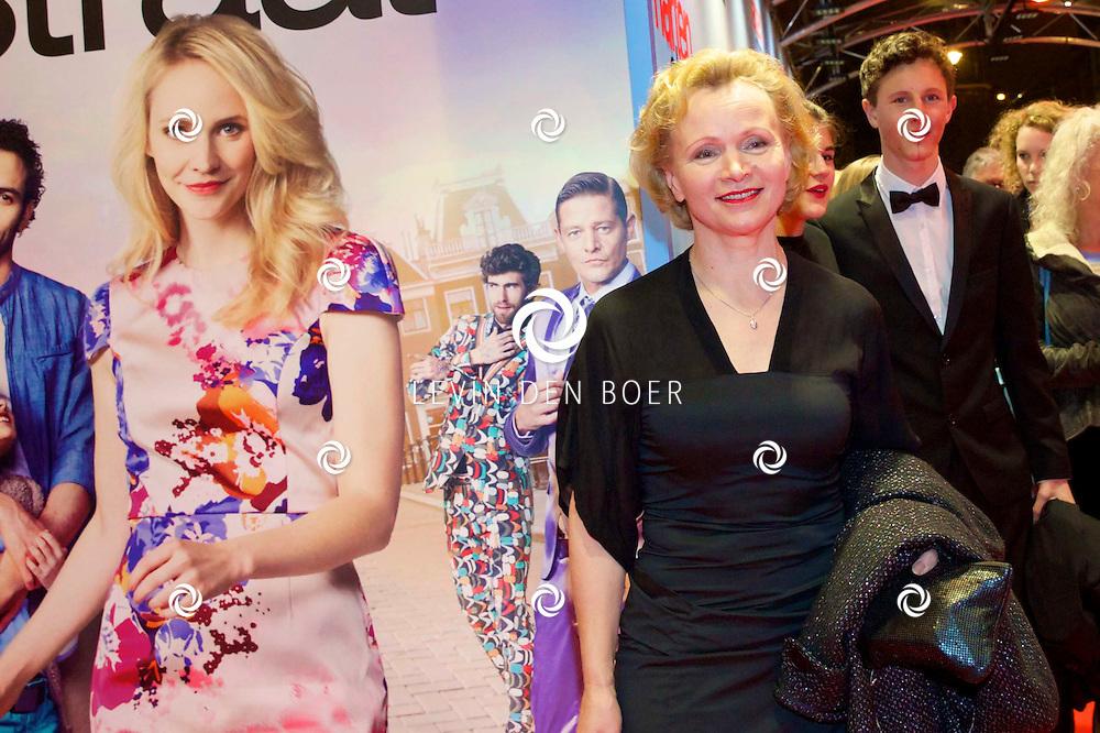 AMSTERDAM - In het Tuschinski theater is de nieuwe Nederlandse film 'Harten Straat' in premiere gegaan. Met op de rode loper   Renée Soutendijk. FOTO LEVIN DEN BOER - PERSFOTO.NU