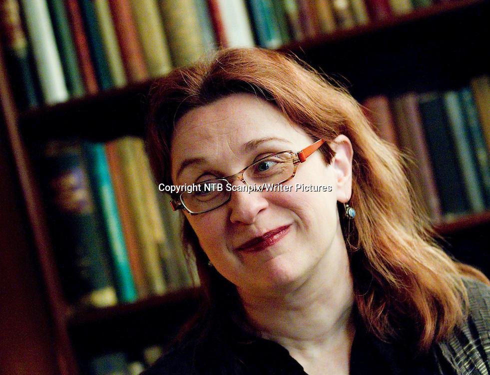 OSLO  20100429.<br /> Forfatteren Audrey Niffenegger, forfatteren av bestselgeren &quot;Den tidsreisendes kvinne&quot; har kommet med en fascinerende roman som er en sp&macr;kelseshistorie fra det 21. &Acirc;rhundre. <br /> Foto: Morten Holm / SCANPIX .<br /> <br /> NTB Scanpix/Writer Pictures<br /> <br /> WORLD RIGHTS, DIRECT SALES ONLY, NO AGENCY