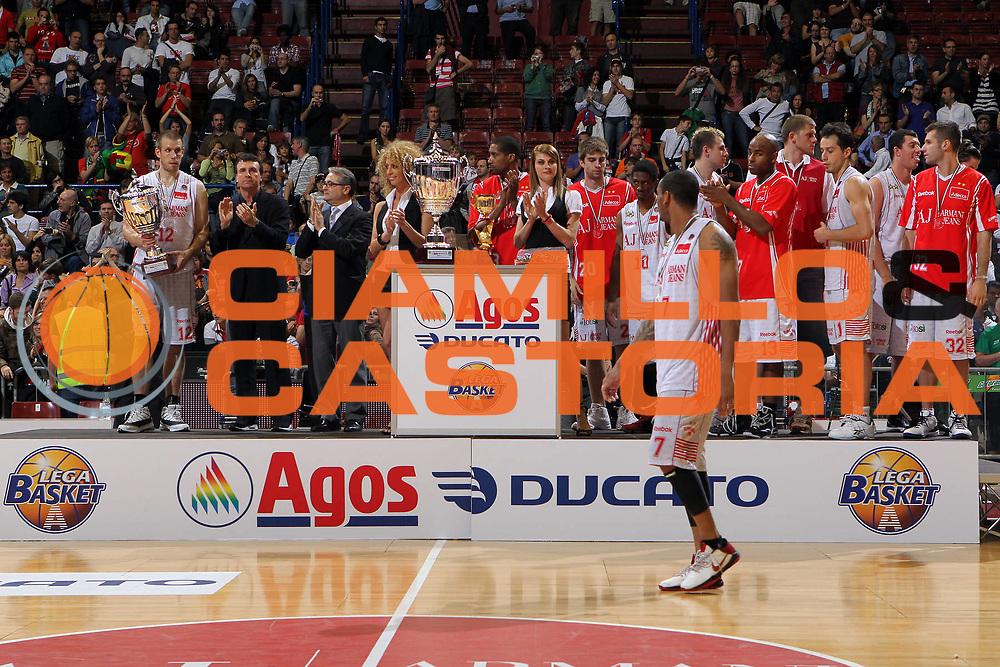 DESCRIZIONE : Milano Lega A 2009-10 Playoff Finale Gara 4 Armani Jeans Milano Montepaschi Siena<br /> GIOCATORE : Mike Hall<br /> SQUADRA : Armani Jeans Milano<br /> EVENTO : Campionato Lega A 2009-2010 <br /> GARA : Armani Jeans Milano Montepaschi Siena<br /> DATA : 19/06/2010<br /> CATEGORIA : Ritratto Delusione<br /> SPORT : Pallacanestro <br /> AUTORE : Agenzia Ciamillo-Castoria/G.Cottini<br /> Galleria : Lega Basket A 2009-2010 <br /> Fotonotizia : Milano Lega A 2009-10 Playoff Finale Gara 4 Armani Jeans Milano Montepaschi Siena<br /> Predefinita :