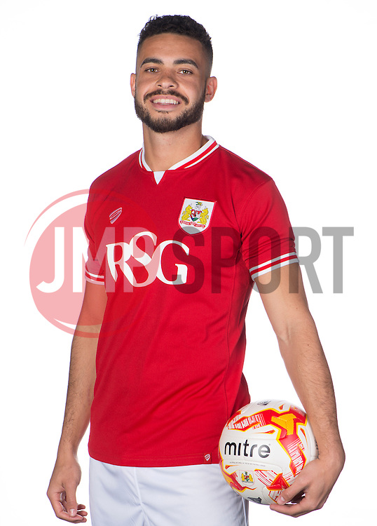 Bristol City's Derrick Williams  - Photo mandatory by-line: Joe Meredith/JMP - Mobile: 07966 386802 - 28/04/2015 - SPORT - Football - Bristol - SGS Wise Campus