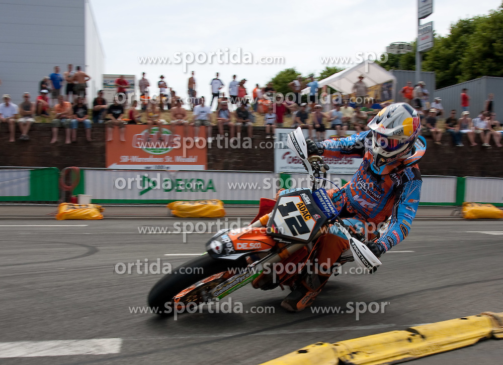 10.07.2010, Wendelinuspark, Sankt Wendel, GER, Supermoto WM, im Bild von links Bernd Hiemer, 7er, Qualifying, EXPA Pictures © 2010, PhotoCredit: EXPA/ A. Neis / SPORTIDA PHOTO AGENCY