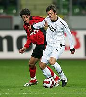 Fotball , 14. desember 2006 , UEFA-Cup Bayer 04 Leverkusen - Besiktas Istanbul<br /> <br /> v.l. Karim Haggui Leverkusen , Serdar Kurtulus<br /> <br /> Norway only
