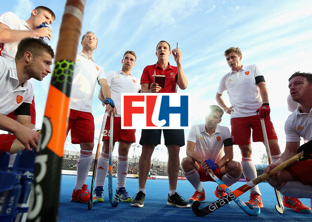 LONDON, ENGLAND - JUNE 15:  The England team get instructions during a break during the Hero Hockey World League Semi Final match between India and Scotland at Lee Valley Hockey and Tennis Centre on June 15, 2017 in London, England.  (Photo by Alex Morton/Getty Images)