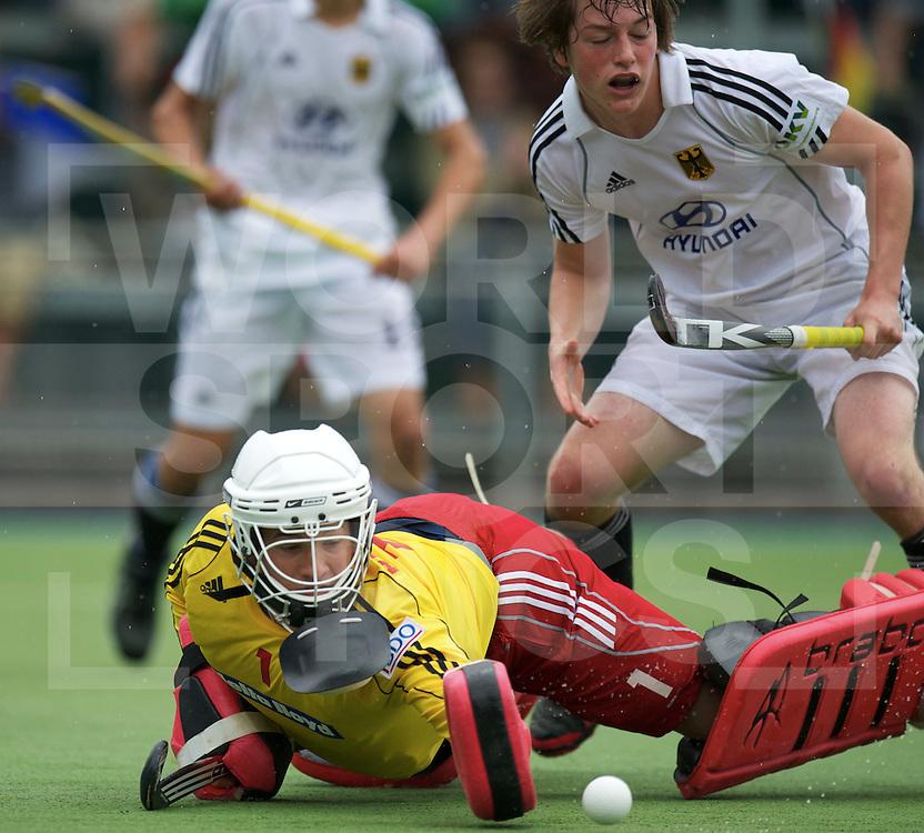 UTRECHT - VOLVO EUROHOCKEY CHAMPIONSHIPS 2011.Belgium vs Germany.Semi-final   3-1.Foto: Max van Laak (white) and Arnoud Flamand (goalie)..FFU Press Agency  COPYRIGHT FRANK UIJLENBROEK..