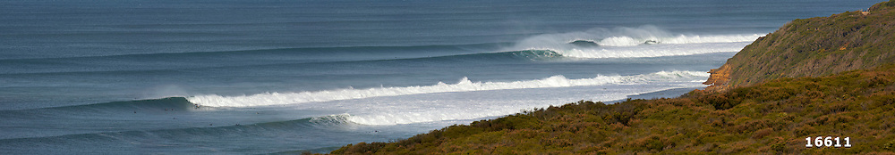 Winkipop and Bells Beach line-up in winter