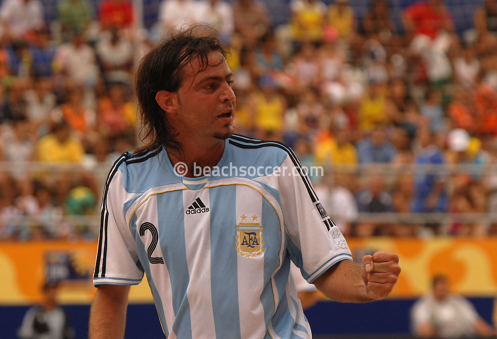 Football-FIFA Beach Soccer World Cup 2006 - Group D-ARG_NGA - Opening match of the Beachsoccer World Cup 2006. Santiago Lopez celebrates his goal- Rio de Janeiro - Brazil 02/11/2006<br />