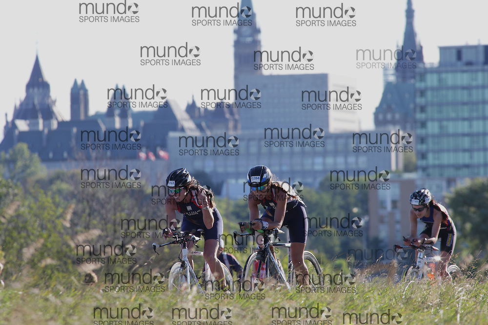 (Ottawa, Canada---10 August 2013)  \1353\ and Samantha Mcclary (284)  of Great Britain (GBR) competing in the 35-39 Female AG International Triathlon Union 2013 World Duathlon Championships (10 km run- 40 km bike- 5km run).