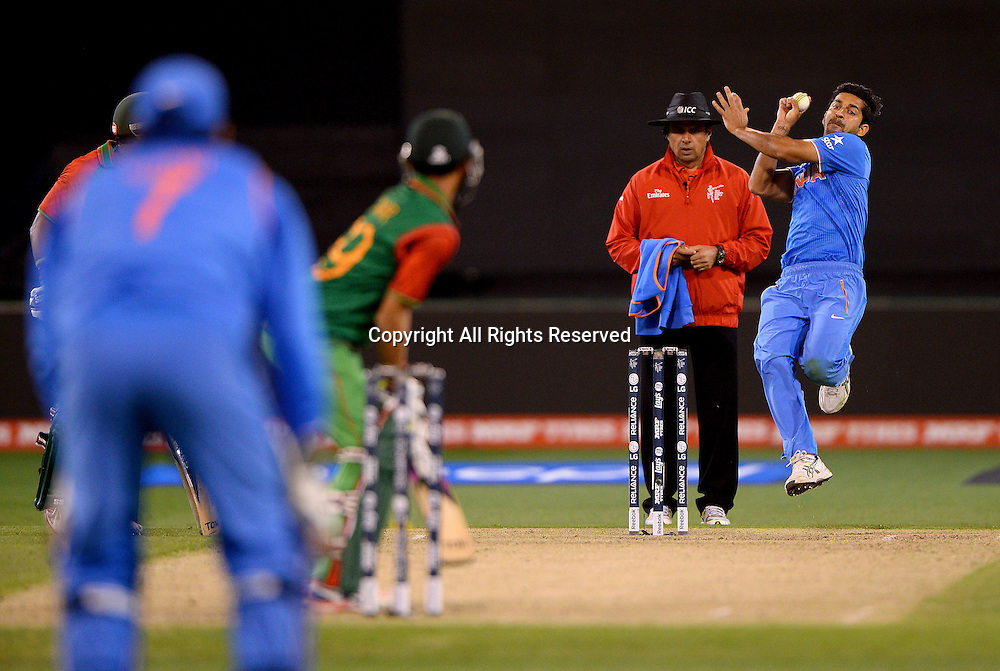 Mohit Sharma (Ind) <br /> India vs Bangladesh / Qtr Final 2<br /> 2015 ICC Cricket World Cup<br /> MCG / Melbourne Cricket Ground <br /> Melbourne Victoria Australia<br /> Thursday 19 March 2015<br /> &copy; Sport the library / Jeff Crow