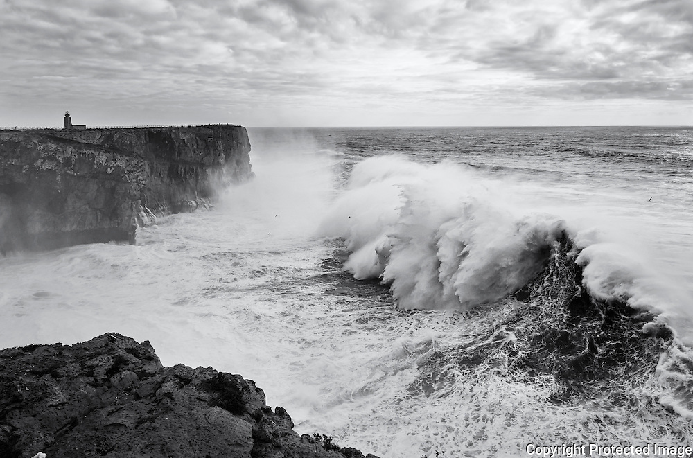 One of the first waves of the Hercules Black swell to arrive at the Sagres Fortress.
