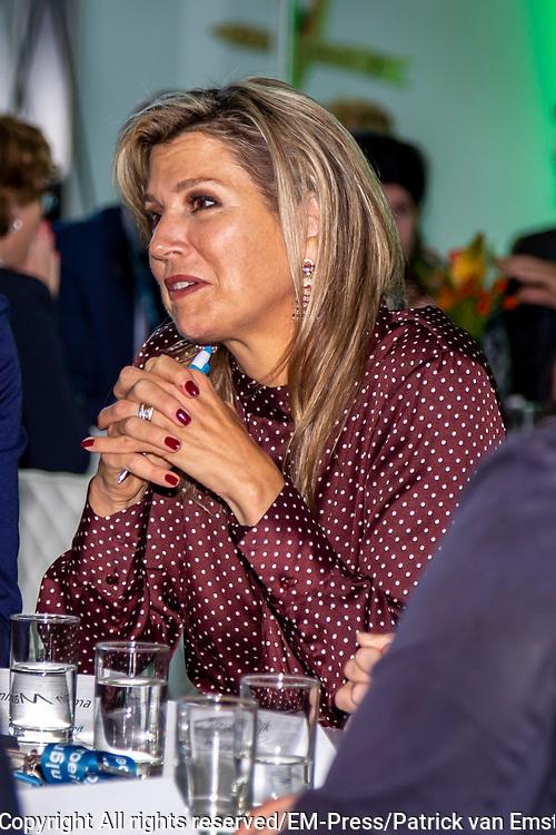 Koningin Maxima aanwezig bij een regionaal evenement van nlgroeit bij Centraal Beheer in Apeldoorn. Nlgroeit is een platform waar ondernemers elkaar helpen om hun volgende groeistap te zetten.<br /> <br /> Queen Maxima attends a regional event of nlgroeit at Centraal Beheer in Apeldoorn. Nlgroeit is a platform where entrepreneurs help each other to take their next growth step.