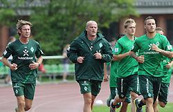 29.06.2011, Platz 11, Bremen, GER, 1.FBL, Laktattest Werder Bremen, im Bild Michael Kraft (Torwart-Trainer Werder Bremen), Thomas Schaaf (Trainer Werder Bremen), Felix Kroos (Bremen #18), Marko Arnautovic (Bremen #7)   // during the training session from Werder Bremen    EXPA Pictures © 2011, PhotoCredit: EXPA/ nph/  Frisch       ****** out of GER / CRO  / BEL ******