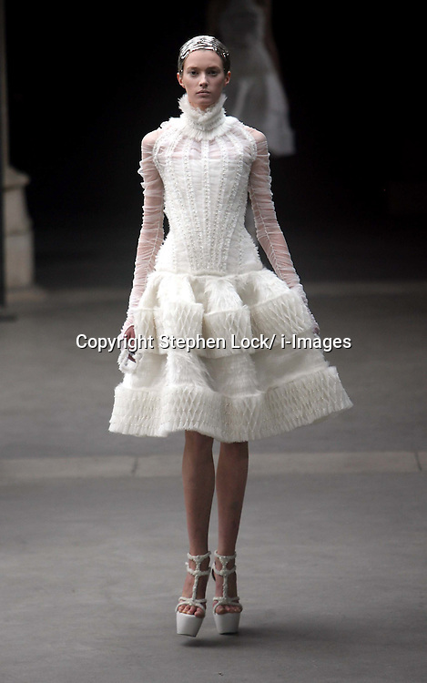 Alexander McQueen Ready to Wear Autumn/Winter 2011.  Photo by: Stephen Lock/i-Images