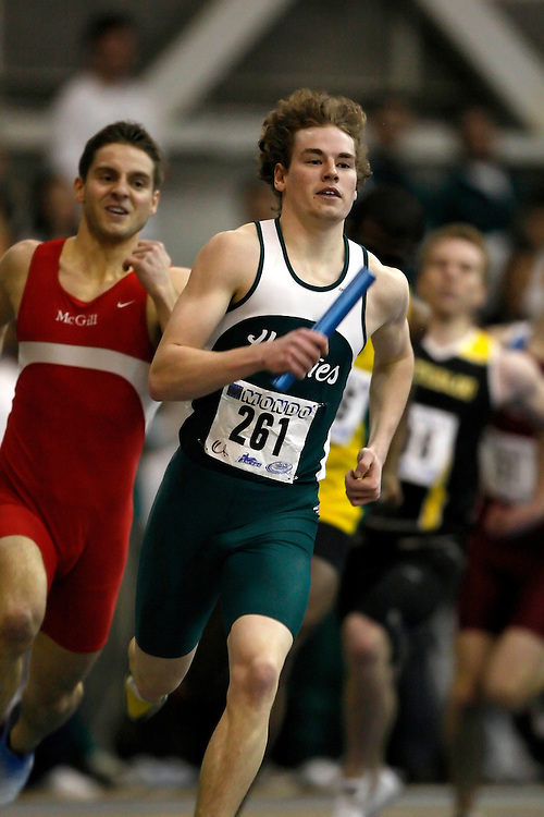 Windsor, Ontario ---14/03/09--- Kyle Donsberger of  the University of Saskatchewan competes in the 4x400m relay at the CIS track and field championships in Windsor, Ontario, March 14, 2009..Claus Andersen Mundo Sport Images