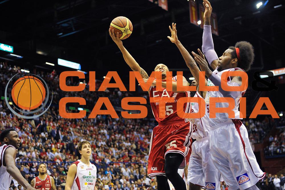 DESCRIZIONE : Campionato 2013/14 Quarti di Finale GARA 2 Olimpia EA7 Emporio Armani Milano - Giorgio Tesi Group Pistoia<br /> GIOCATORE : Curtis Jerrells<br /> CATEGORIA : Tiro Penetrazione Sottomano<br /> SQUADRA : Olimpia EA7 Emporio Armani Milano<br /> EVENTO : LegaBasket Serie A Beko Playoff 2013/2014<br /> GARA : Olimpia EA7 Emporio Armani Milano - Giorgio Tesi Group Pistoia<br /> DATA : 21/05/2014<br /> SPORT : Pallacanestro <br /> AUTORE : Agenzia Ciamillo-Castoria / Barbara Lodigiani<br /> Galleria : LegaBasket Serie A Beko Playoff 2013/2014<br /> Fotonotizia : Campionato 2013/14 Quarti di Finale GARA 2 Olimpia EA7 Emporio Armani Milano - Giorgio Tesi Group Pistoia<br /> Predefinita :