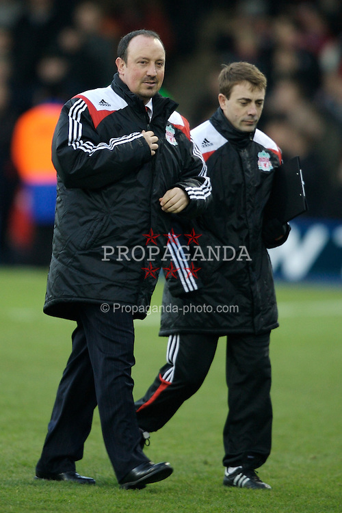 LUTON, ENGLAND - Sunday, January 6, 2008: Liverpool's manager Rafael Benitez and fitness coach Paco de Miguel before the FA Cup 3rd Round match against Luton Town at Keniworth Road. (Photo by David Rawcliffe/Propaganda)