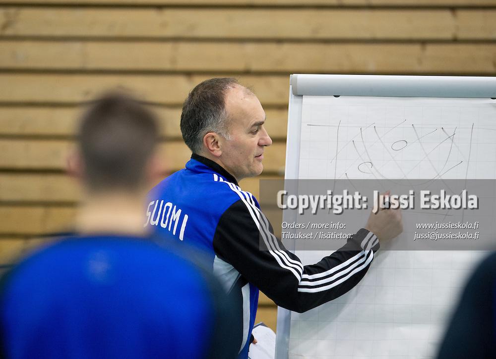 Mico Martic. Futsal-maajoukkue. Harjoitukset. Eerikkilä 26.1.2013. Photo: Jussi Eskola