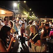 I Murazzi, ovvero le arcate che costeggiano il Po nel centro di Torino, ..oggi sono uno dei punti nevralgici della movida torinese con..una ricca proposta di serate live e dj set nei locali lungo il fiume.