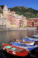 Vernazza Village, Cinque Terre, Ligurie, Italy