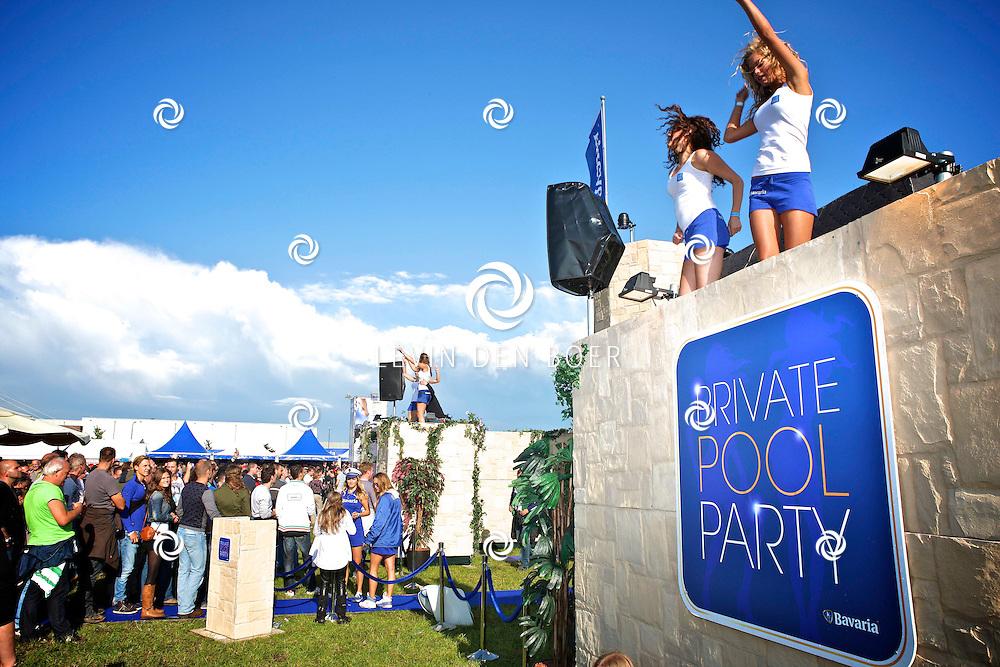 LIESHOUT - Bavaria Open Air Festival. Met op de foto  de Bavaria Babes bij de Private Pool Party. FOTO LEVIN DEN BOER - PERSFOTO.NU