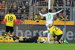 15.03.2014, Signal Iduna Park, Dortmund, GER, 1. FBL, Borussia Dortmund vs Borussia Moenchengladbach, 25. Runde, im Bild Raffael (Borussia Moenchengladbach #11)mit dem Fuehrungs Treffer, Tor zum 1:0 gegen Torwart Roman Weidenfeller (Borussia Dortmund #1), Nuri Sahin (Borussia Dortmund #18), Aktion, Action // during the German Bundesliga 25th round match between Borussia Dortmund and Borussia Moenchengladbach at the Signal Iduna Park in Dortmund, Germany on 2014/03/15. EXPA Pictures © 2014, PhotoCredit: EXPA/ Eibner-Pressefoto/ Schueler<br /> <br /> *****ATTENTION - OUT of GER*****