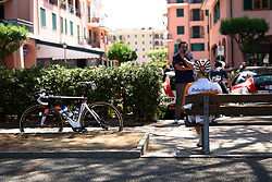 Waiting in the shade: Roxane Knetemann at Giro Rosa 2016 - Stage 6. A 118.6 km road race from Andora to Alassio, Italy on July 7th 2016.