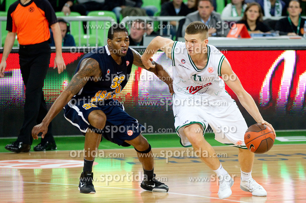 Alonzo Gee of Asseco Prokom Gdynia vs Dino Muric of Union Olimpija during basketball match between KK Union Olimpija and Asseco Prokom Gdynia (POL) of 3rd Round in Group D of Regular season of Euroleague 2011/2012 on November 2, 2011, in Arena Stozice, Ljubljana, Slovenia. Union Olimpija defeated Prokom 70-62. (Photo by Vid Ponikvar / Sportida)
