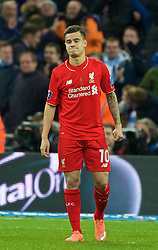 LONDON, ENGLAND - Sunday, February 28, 2016: Liverpool's Philippe Coutinho Correia looks dejected after missing a penalty against Manchester City during the shoot-out during the Football League Cup Final match at Wembley Stadium. (Pic by David Rawcliffe/Propaganda)