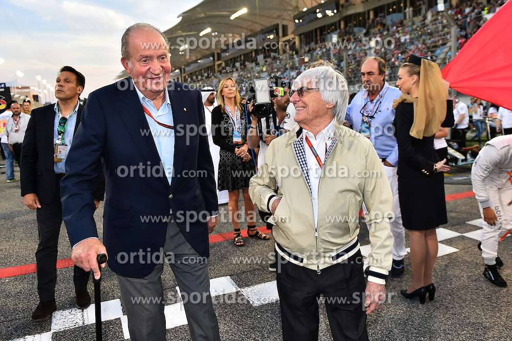 03.04.2016, International Circuit, Sakhir, BHR, FIA, Formel 1, Grand Prix von Bahrain, Rennen, im Bild Juan Carlos of Spain and Bernie Ecclestone (GBR) CEO Formula One Group (FOM) on the grid // during Race for the FIA Formula One Grand Prix of Bahrain at the International Circuit in Sakhir, Bahrain on 2016/04/03. EXPA Pictures &copy; 2016, PhotoCredit: EXPA/ Sutton Images<br /> <br /> *****ATTENTION - for AUT, SLO, CRO, SRB, BIH, MAZ only*****