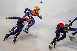 12-01-2018 DUI: ISU European Short Track Championships 2018 day 1, Dresden<br /> Sjinkie Knegt NED #2 moet inhouden om niet op de Fransman Thibaut Fauconnet FRA #332 te klappen