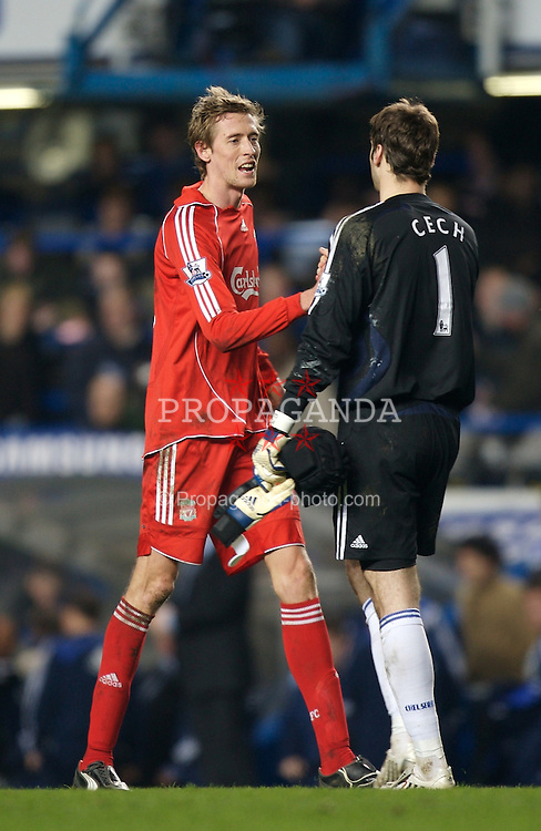 LONDON, ENGLAND - Sunday, February 10, 2008: Liverpool's Peter Crouch and Chelsea's Petr Cech during the Premiership match at Stamford Bridge. (Photo by David Rawcliffe/Propaganda)