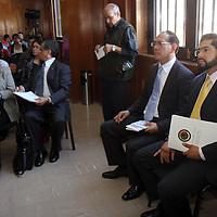 Toluca,  Mex -  Los diputados Julio Quintero Figueroa y David Dominguez Arellano el  Foro Por un Estado de Mexico Libre de Humo de Tabaco organizado en la Legislatura mexiquense.   Agencia MVT / Crisanta Espinosa.