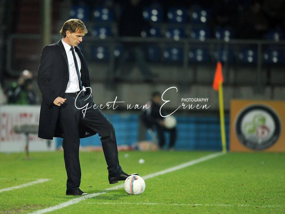 28-02-2009 Voetbal:Willem II:Heracles Almelo:Tilburg<br /> Alfons Groenendijk aan de bal<br /> Foto: Geert van Erven
