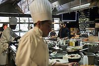 Pens&eacute;e comme un &laquo; lieu social &raquo; favorisant les rencontres,  avec sa cuisine ouverte, son espace priv&eacute;, son bar, sa vinoteca et sa terrasse, la brasserie FR\AME se distingue par la cr&eacute;ativit&eacute; du chef Andrew Wigger et la vision intemporelle de l&rsquo;architecte d&rsquo;int&eacute;rieur et sc&eacute;nographe Christophe Pillet.<br /> &Agrave; eux deux, ils ont r&eacute;ussi &agrave; transposer l&rsquo;esprit West Coast dans un environnement parisien.<br /> C'est &eacute;galement le plus grand potager parisien avec, en plus, ses poules et ses abeilles.<br /> Directement du producteur au consommateur.<br /> Right: Andrew Wigger