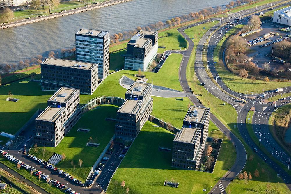 Nederland, Utrecht, Utrecht, 25-11-2008; Papendorp, bedrijventerrein in Leidsche Rijnop dit kantorenpark onder andere vestigingen van high tec bedrijven als Capgemini (gelegen aan het Amsterdam-Rijnkanaal)in this office park with branches of high tec companies such as Capgemini, Grontmij, Atos Origin, KPN.zichtlokatie vlak bij autosnelwegen A2 en A12 (knooppunt Oude Rijn)class A location, near motorways A2 and A12 (junction Old Rhine)HighTec, knowledge economy, knowledge economy, node-old Rhine, A location,  hightec, kenniseconomie, kennis economie, knooppunt ouderijn;.  .luchtfoto (toeslag)aerial photo (additional fee required).foto Siebe Swart / photo Siebe Swart