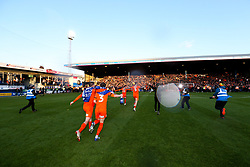 Dan Potts runs accross the pitch with teammates as Luton Town celebrate winning the league and securing automatic promotion from Sky Bet League 1 to the Sky Bet Championship - Rogan/JMP - 04/05/2019 - Kenilworth Road - Luton, England - Luton Town v Oxford United - Sky Bet League One.