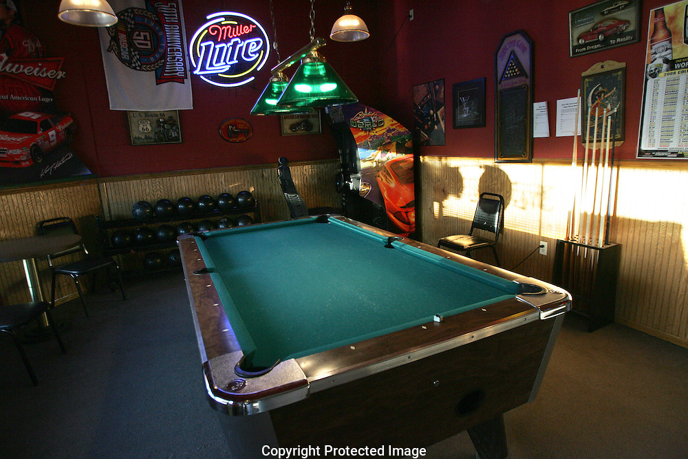 A pool table sits in the entrance of Grove City Lanes.(Jodi Miller/Alive)