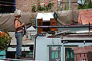 """Artis is de dierentuin van Amsterdam, gelegen in de Plantagebuurt. De ingang bevindt zich aan de Plantage Kerklaan. Het Koninklijk Zoölogisch Genootschap Natura Artis Magistra, (""""de natuur is de leermeesteres van de kunst"""") in de volksmond: Artis, werd in 1838 door G.F. Westerman, J.W.H. Werlemann en J.J. Wijsmuller opgericht.<br /> ////<br /> Natura Artis Magistra (Latin for """"Nature is the teacher of art""""), commonly known simply as Artis, is a zoo in the centre of Amsterdam. It is the oldest zoo of the Netherlands, founded in 1838 by G.F. Westerman, J.W.H. Werlemann and J.J. Wijsmuller.<br /> <br /> Op de foto / On the photo:"""
