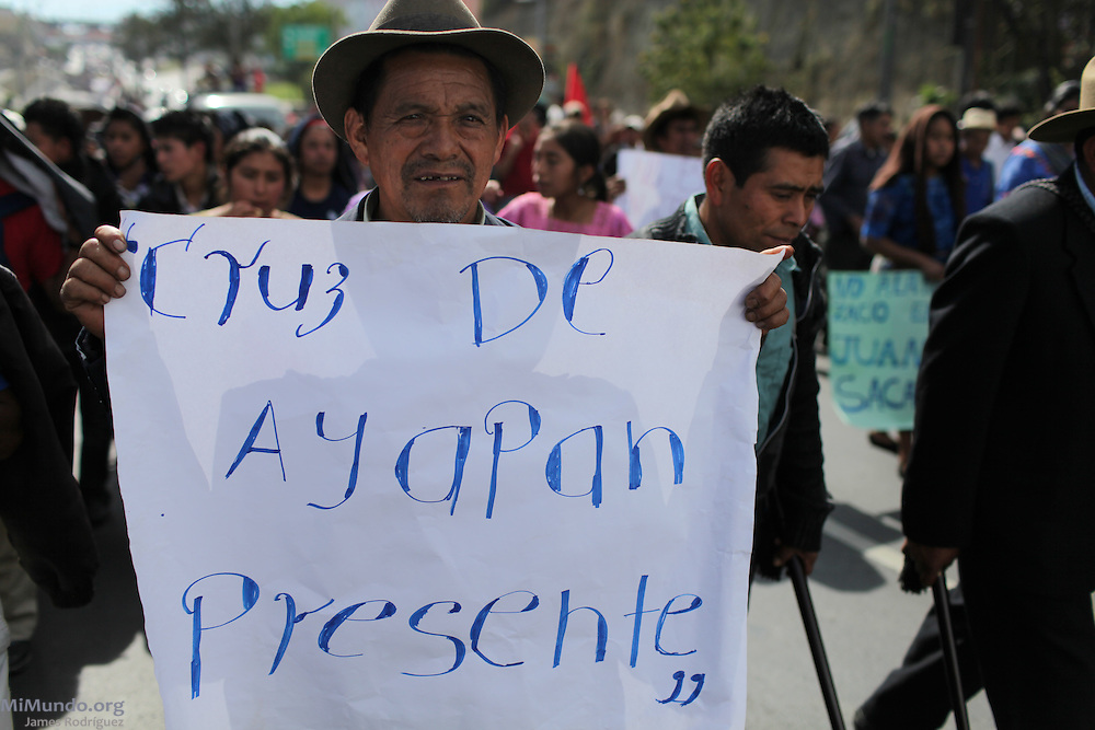 """""""Cruz de Ayapan is Present!"""". After 9 days and 212 kilometers, the Indigenous, Campesino and Popular March for the defense of Mother Earth, against evictions, criminalization, and in favor of Integrated Rural Development, arrived to the Capital City. According to members of the Committee for Campesino Unity (CUC), it is estimated that about 15,000 people participated in the ninth and final day of the march."""