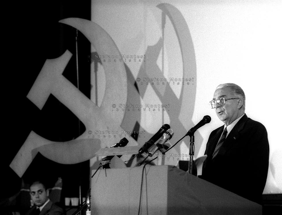 ROMA   11 Oottobre 1998    .Armando Cossutta presenta il  Partito dei Comunisti Italiani.Rome 11 October 1998    .Armando Cossutta introduces the Party of Italian Communists.