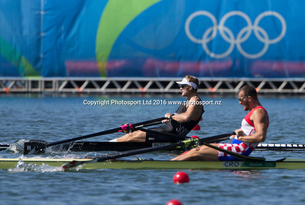 New Zealand's Mahe Drysdale and Croatia's Damir Martin neck and neck in the mens singles at Lagoa Stadium, Olympic rowing.  Rio Olympics Games 2016, Rio de Janeiro. Friday 12 August, 2016. Copyright photo: John Cowpland / www.photosport.nz