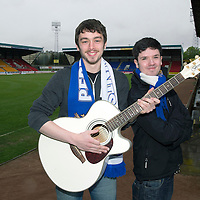 Two musical St Johnstone fans write a song called 'Fair Maid' to mark the club reaching the Scottish Cup Final, pictured are Ollie Wale (right) and Jamie Harris known as 'The Shrugs' at McDiarmid ParkPicture by Graeme Hart.<br /> Copyright Perthshire Picture Agency<br /> Tel: 01738 623350  Mobile: 07990 594431