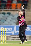 Amelia Kerr bowling. Women's T20 international Cricket, Australia v New Zealand White Ferns.  Manuka Oval, Canberra, 5 October 2018. Copyright Image: David Neilson / www.photosport.nz