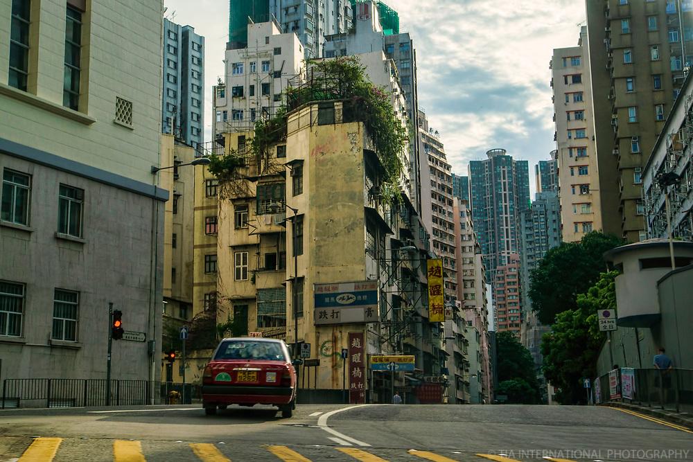 Queen's Road, Pok Fu Lam