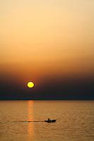 Tramonto nel mare Ionio, costa ovest del Salento
