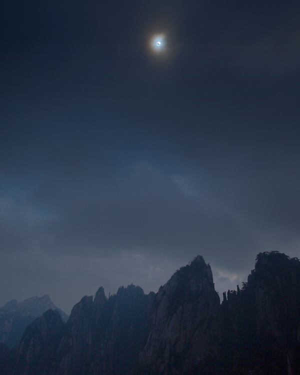 Diamong ring at start of total eclipse, glimpsed through the clouds, Huangshan, China, 22 July 2009