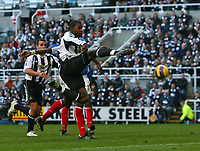 Photo: Andrew Unwin.<br /> Newcastle United v Portsmouth. The Barclays Premiership. 26/11/2006.<br /> Newcastle's Titus Bramble takes a shot.