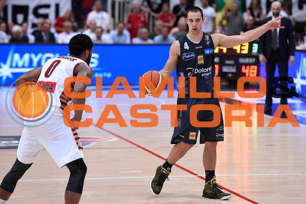 Aaron Craft<br /> Dolomiti Energia Aquila Basket Trento - Umana Reyer Venezia<br /> Lega Basket Serie A 2016/2017<br /> Playoff, finale gara 3<br /> Trento, 14/06/2017<br /> Foto M.Ceretti / Ciamillo-Castoria